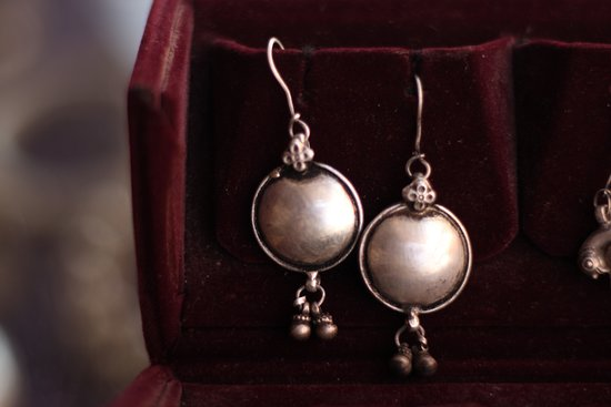 Geet Art & Jewellery: Charming earrings by Geet