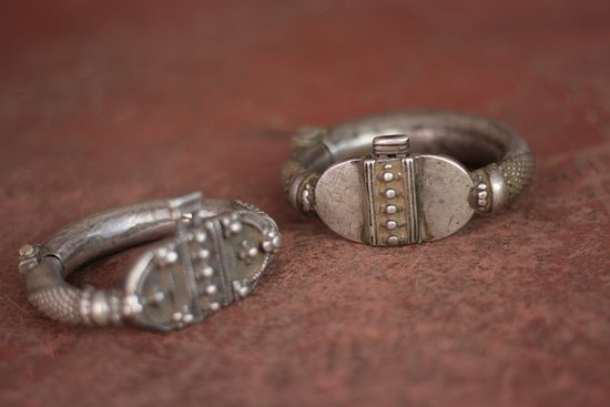Geet Art & Jewellery: Antique silver bracelets