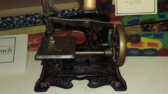 Adrian, ميتشجان: Toy sewing machine