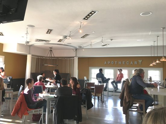 Hotel Parq Central: Apothecary Bar