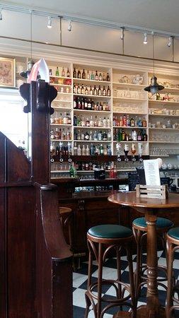 St Margaret's Hope, UK: The bar in Robertsons