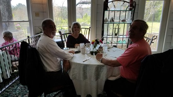 Bernie's Restaurant at Nacoochee Valley Guest House: Eash area is special