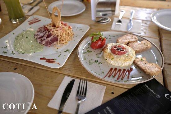 Cotilla: Pasta y queso a la plancha, una delicia para cada paladar.
