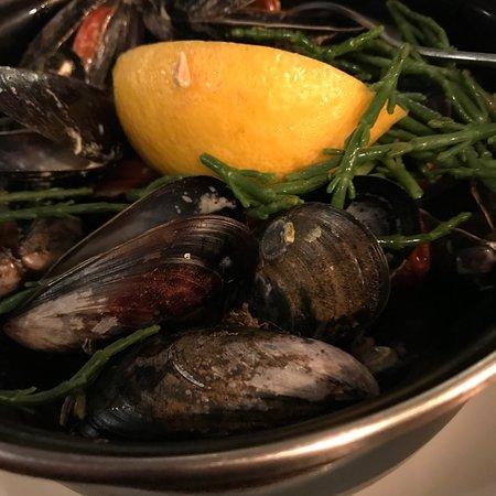 Frank's Restaurant and Mussel Bar: photo0.jpg