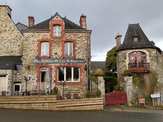 Rochefort-en-terre : IMG_20180328_123519_HDR_large.jpg