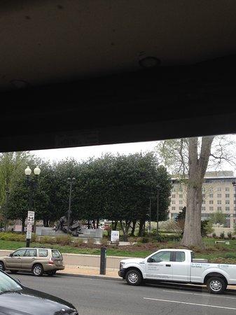 Albert Einstein Memorial: Picture taken from tour bus