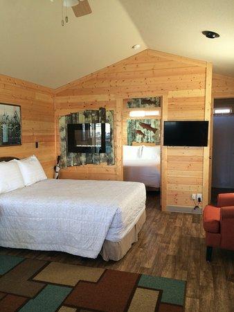 Westport Marina Cottages Motel 142 ̶1̶7̶5̶