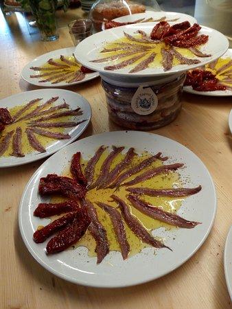 Ricco del Golfo di Spezia, อิตาลี: salted anchovies - acciughe salate