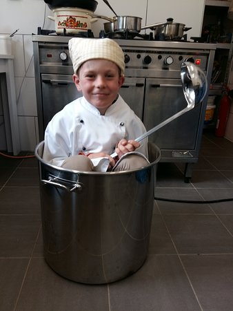 Zell-Zellertal, Germany: Juniorchef in Aktion