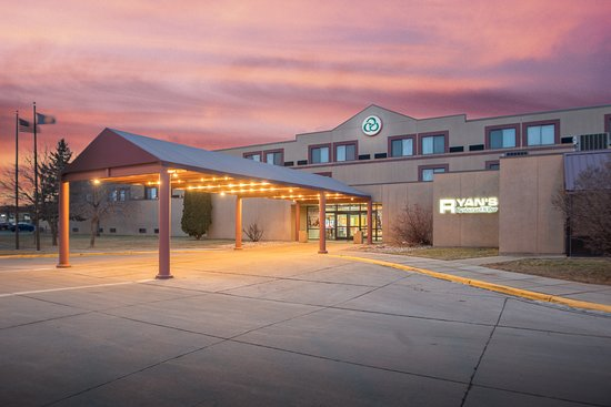 Crossroads Hotel And Huron Event Center 69 7 6 Updated 2020 Prices Reviews Sd Tripadvisor
