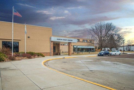 Crossroads Hotel and Huron Event Center: Huron Event Center