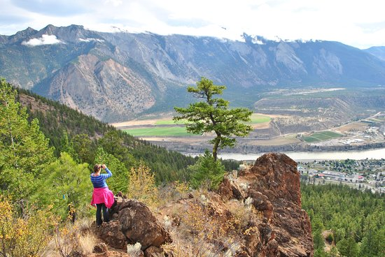 Barkerville, Canadá: Hike up to Red Rock in Lillooet and enjoy the view!