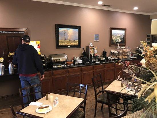 Shamrock, TX: The breakfast area