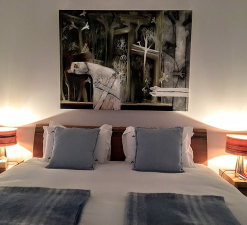Miena, Australia: King size beds and luxury bedding