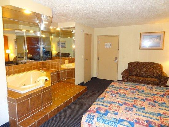 Irvington, NJ: Guest room