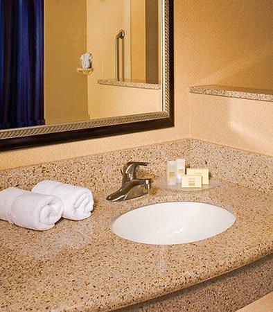 Aberdeen, MD: Guest room