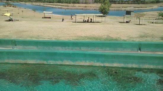 Victoria del Agua Parque Temático y Termal: Vista de canales, uno estaba seco. Son de agua dulce, un poco descuidados