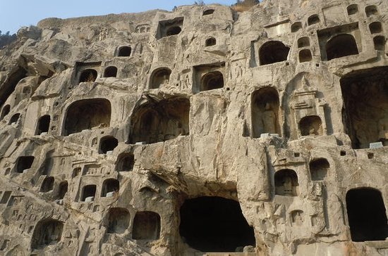 2-Day tour of Longmen Grottoes...