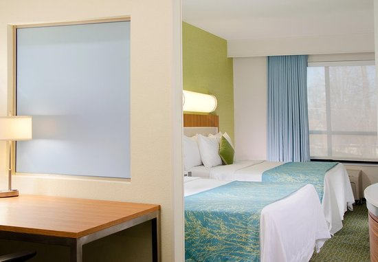 Bridgeton, MO: Every Guest Room is a spacious Suite