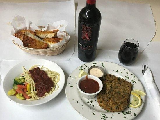 Mona's Italian Restaurant: Have great Italian meal with fine bottle of wine