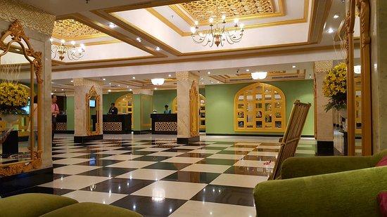 Hotel Clarks Shiraz: 20180324_202650_large.jpg