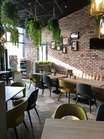 Veldhoven, Países Bajos: Brasserie Ludiek