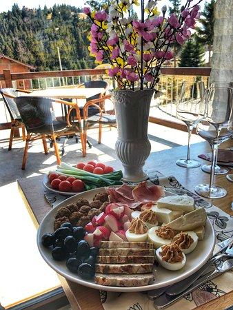 Paltinis, Rumania:  appetizers
