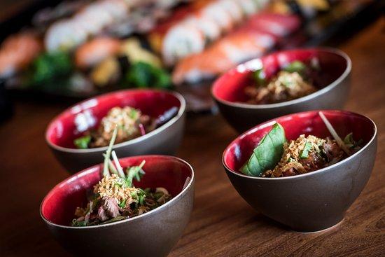 Sassenheim, Holandia: Genieten van de heerlijkste Aziatische gerechten, van sushi en fingerfood tot een heel menu.