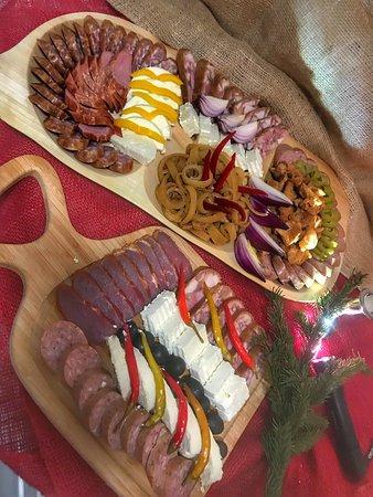 Paltinis, Rumania: Traditional food