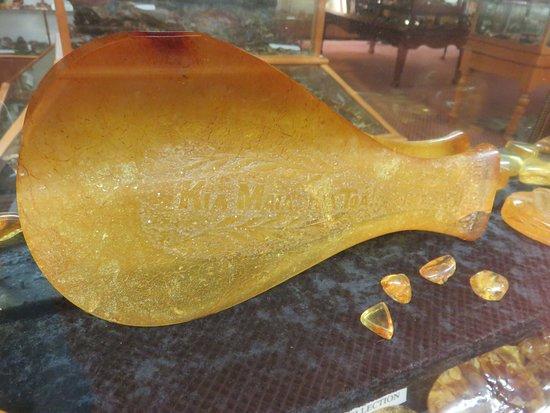 Matakohe, Nya Zeeland: Maori axe made from kauriu gum