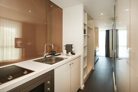 Munsbach, Luxembourg : kitchenette (Gallery Suite)