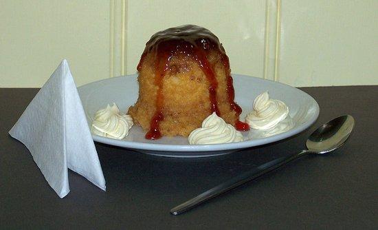 Avoca, Australia: Hot steamed jam pudding back on the menu.