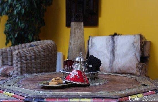 La Garenne-Colombes, Prancis: Thé et pâtisseries orientales