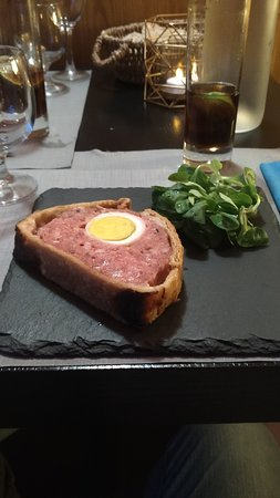 Eguzon-Chantome, فرنسا: Pâté Berrichon