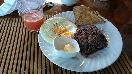 Pavones, Costa Rica: Gallo Pinto no Café da Manhã