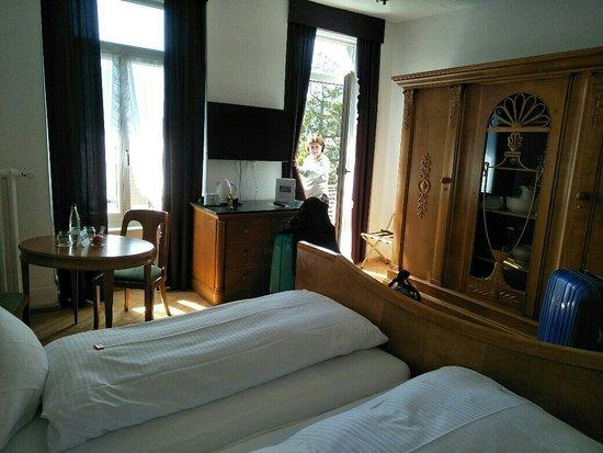 Carlton-Europe Hotel: IMG20180417225122-1040x780_large.jpg