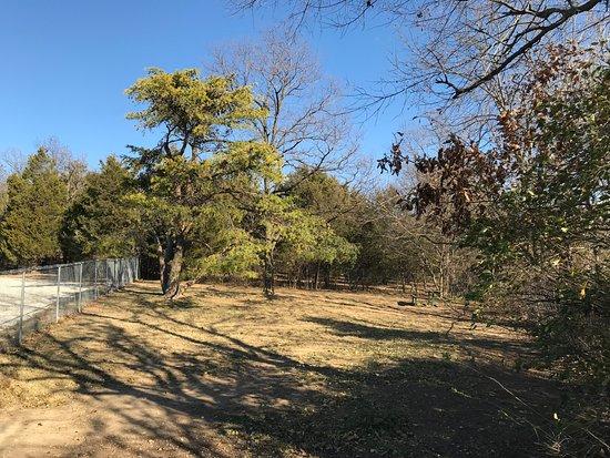 Saint Clair, MO: Fenced off-leash dog park