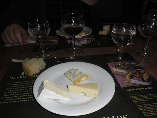 Charentay, فرنسا: plateau fromage