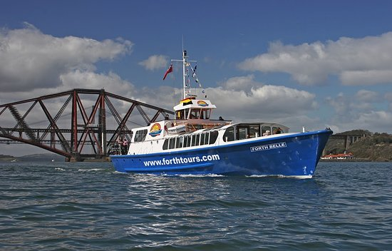 South Queensferry, UK: Forth Boat Tours and the UNESCO World Heritage Forth Bridge