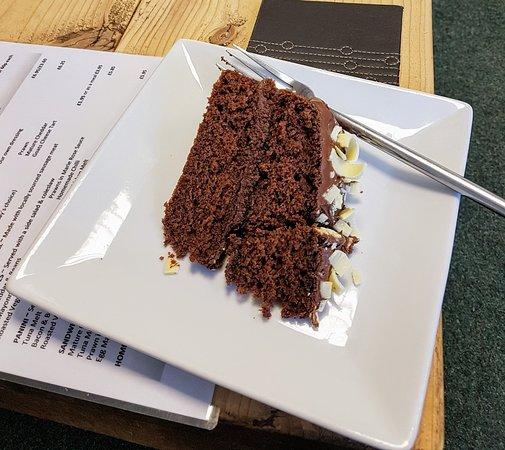 Attleborough, UK: Definitely recommend the chocolate cake!