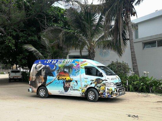 Alberton, جنوب أفريقيا: AfriMozTours Bus