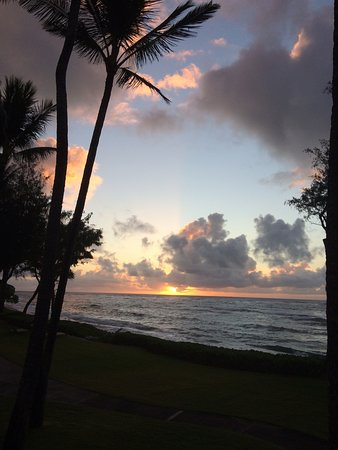Kauai Coast Resort at the Beachboy: Your own personal sunrise
