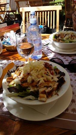 Palmelita Bajamar: Salat Cesar