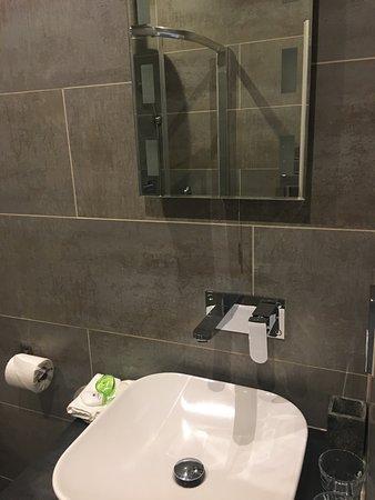 Brithdir, UK: bathroom