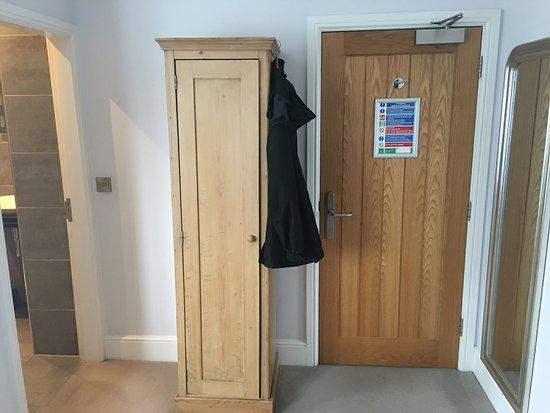 Brithdir, UK: wardrobe