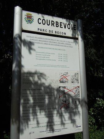 Parc de Bécon: Panneau explicatif du parc