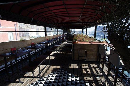terrasse vue sur l 39 eau picture of kok piraat lomme. Black Bedroom Furniture Sets. Home Design Ideas