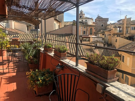 Hotel Due Torri: Top floor room with a terrace