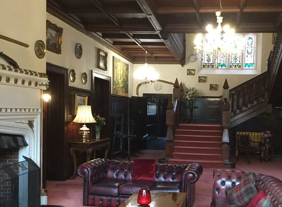 Balcombe, UK: Main foyer.