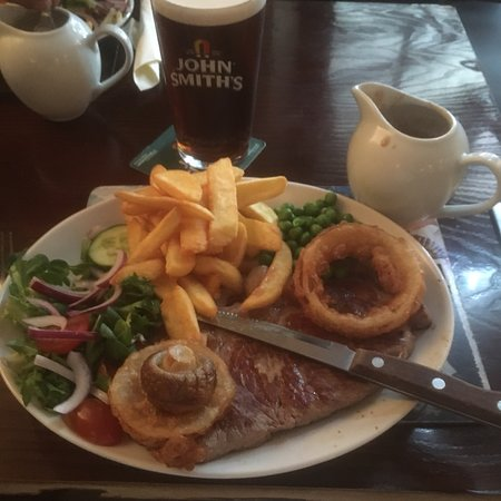 Shouldham, UK: Best steak and chips at a friendly local
